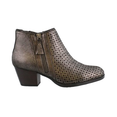 Women's Earth, Pineberry 2 Ankle Boots
