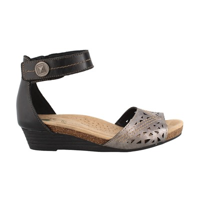 Women's Earth Origins, Honey Low Heel Sandals